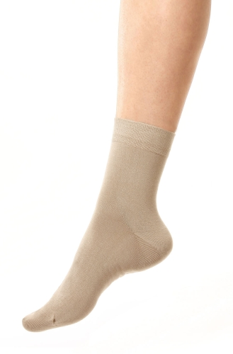 Silk sock beige unisex in the group Clothes in silk / Silk socks at Sleep in Silk (155-beige-Lr)