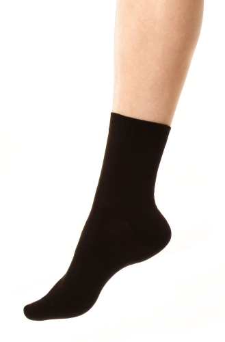 Silk sock black unisex in the group Clothes in silk / Silk socks at Sleep in Silk (155-svart-Lr)