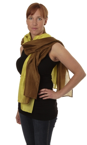 Silk scarf in the group  / Scarfes at Sleep in Silk (161-brungulr)